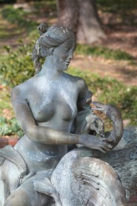 102 Statue-Airlie Gardens